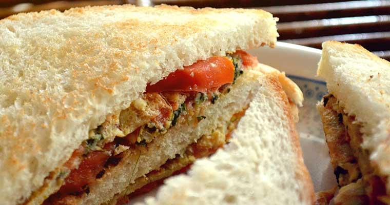 Tony's Market Presents Dede's Jambalaya Sauce